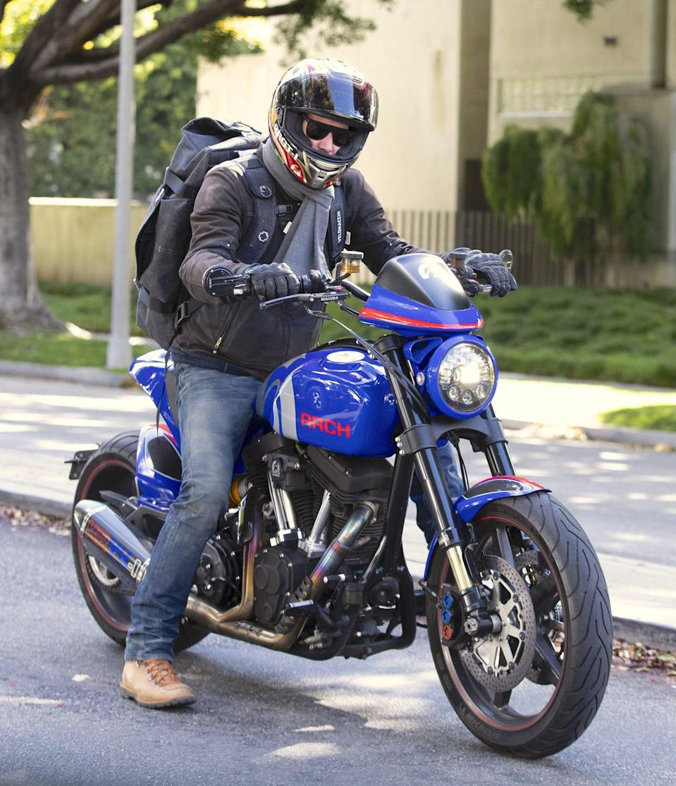 <p>Keanu Reeves is almost unrecognizable while riding through Beverly Hills on Thursday.</p>