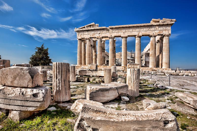 The Acropolis is an obvious but unmissable part of Athens - samott - Fotolia