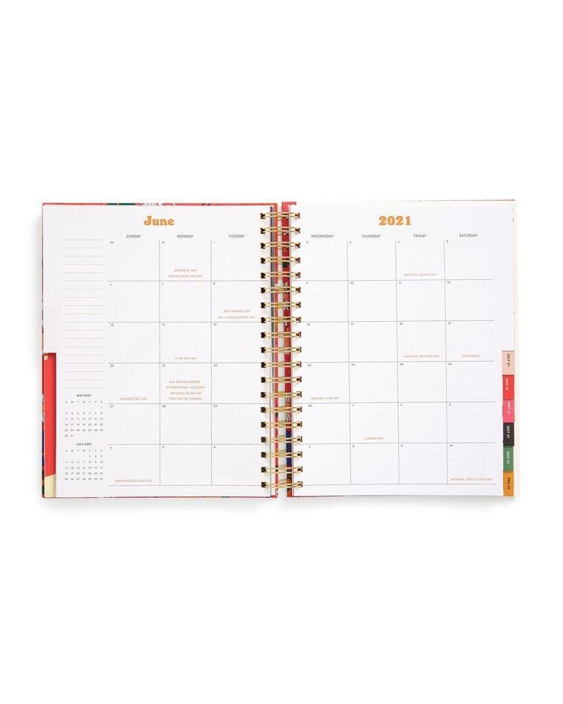 "<h3><a href=""https://www.bando.com/collections/sale/products/large-17-month-academic-planner-daisies"" rel=""nofollow noopener"" target=""_blank"" data-ylk=""slk:ban.do Large 17-Month Academic Daises Planner"" class=""link rapid-noclick-resp"">ban.do Large 17-Month Academic Daises Planner</a></h3>"