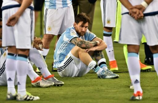 Argentine president asks Messi not to quit