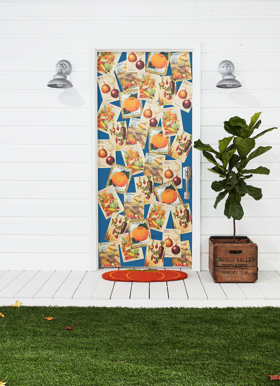 <p>Seed packets featuring fall produce add harvest charm to any front door. We love this idea for any country-dwelling family. </p>