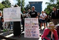 <p>Protesters gather before a rally by the right-wing Patriot Prayer group in Portland, Ore., Aug. 4, 2018. (Photo: Bob Strong/Reuters) </p>