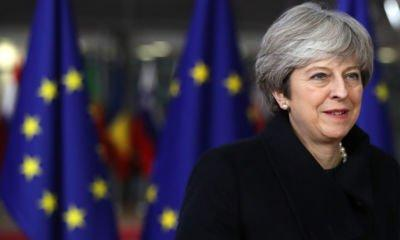 Theresa May 'urges EU leaders to agree swift transition period' at summit dinner