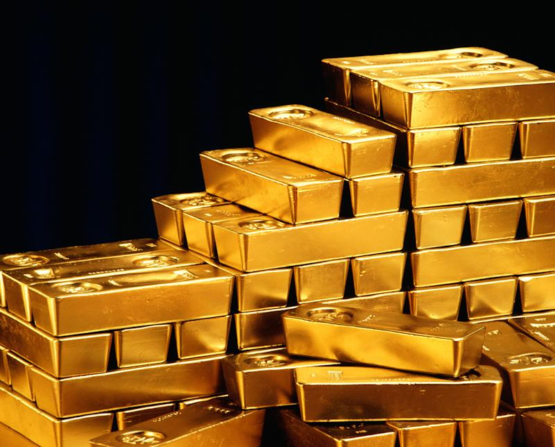 Gold slips to lowest in nearly 2 weeks, US inflation data in focus