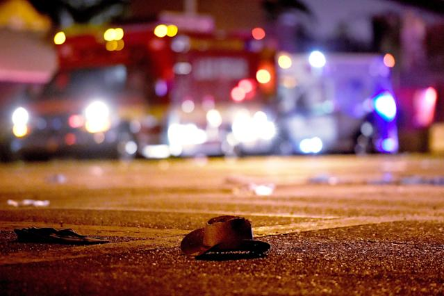 <p>A cowboy hat lays in the street after shots were fired near a country music festival on Oct. 1, 2017 in Las Vegas, Nevada. (Photo: David Becker/Getty Images) </p>