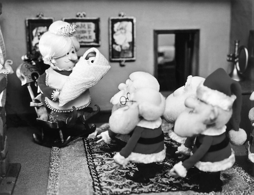 """<h1 class=""""title"""">SANTA CLAUS IS COMIN' TO TOWN, from left: Tanta Kringle, Kris Kringle, The Kringle Elves, 1970</h1><cite class=""""credit"""">Courtesy Everett Collection</cite>"""