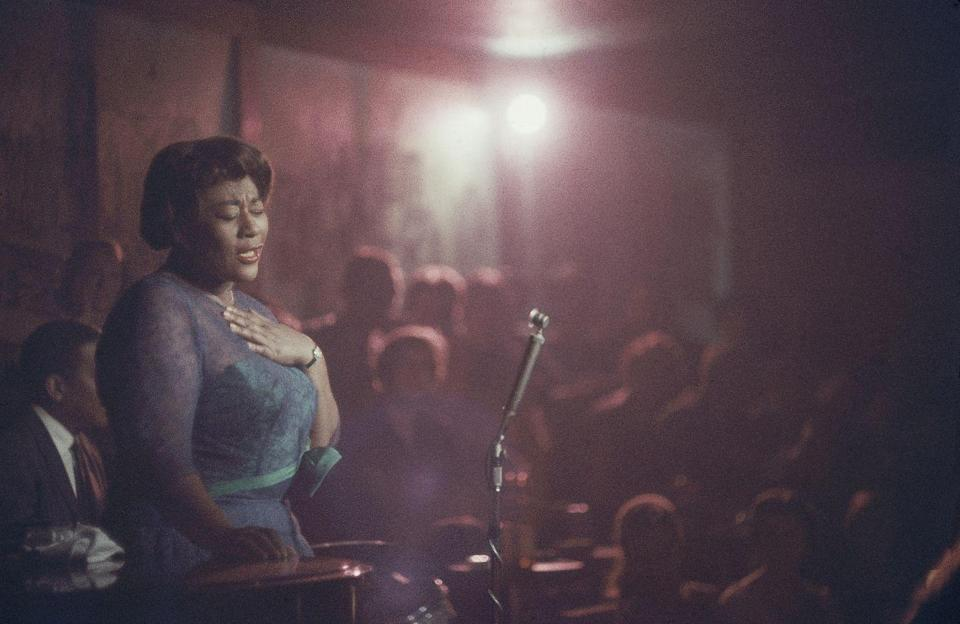"""<p>The country was mourning the loss of <a href=""""https://www.nytimes.com/1996/06/16/nyregion/ella-fitzgerald-the-voice-of-jazz-dies-at-79.html"""" rel=""""nofollow noopener"""" target=""""_blank"""" data-ylk=""""slk:jazz legend Ella Fitzgerald"""" class=""""link rapid-noclick-resp"""">jazz legend Ella Fitzgerald</a>. Lady Ella passed away at home after years of illness linked to diabetes. </p>"""