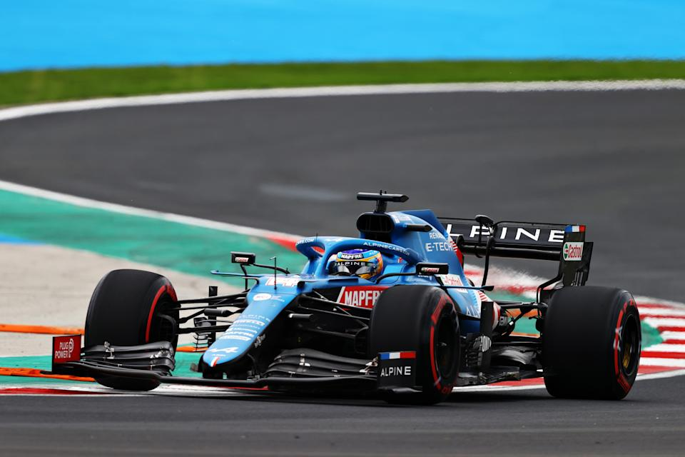 ISTANBUL, TURKEY - OCTOBER 09: Fernando Alonso of Spain driving the (14) Alpine A521 Renault during qualifying ahead of the F1 Grand Prix of Turkey at Intercity Istanbul Park on October 09, 2021 in Istanbul, Turkey. (Photo by Bryn Lennon/Getty Images)