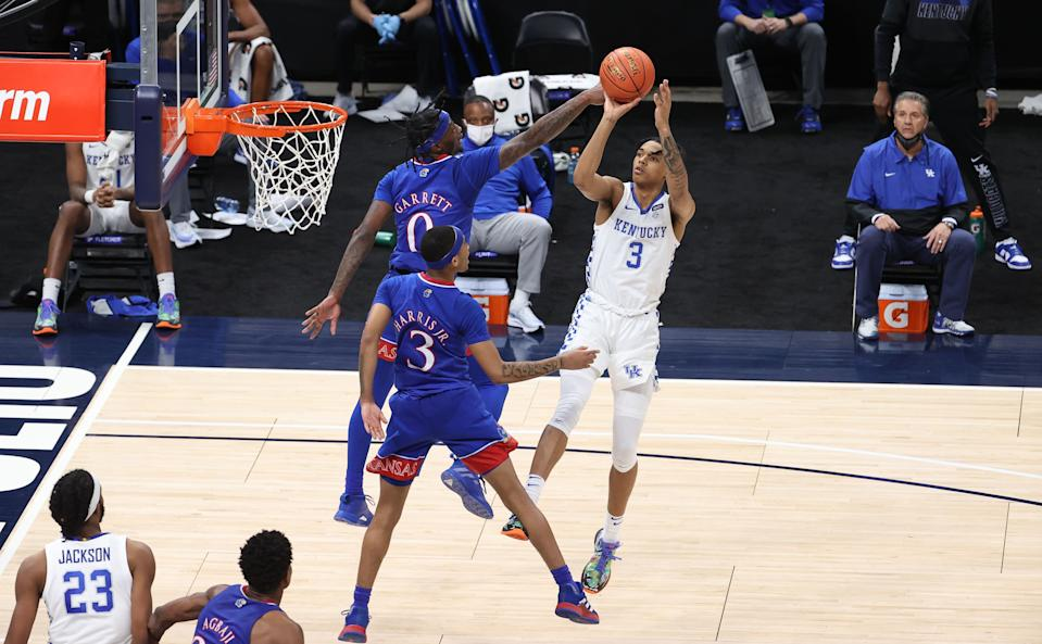 Kentucky's Brandon Boston Jr. shoots against Kansas.