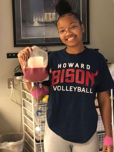 PHOTO: Jurnee Farrell said the decision to skip her senior conference volleyball tournament in order to make a life-saving donation was a 'no brainer'. (J.Farrell/Howard University)