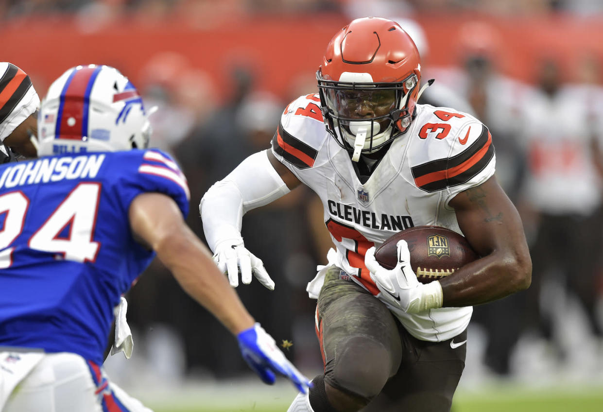 Running back Carlos Hyde (34) was traded from the Browns to the Jaguars on Friday. (AP)