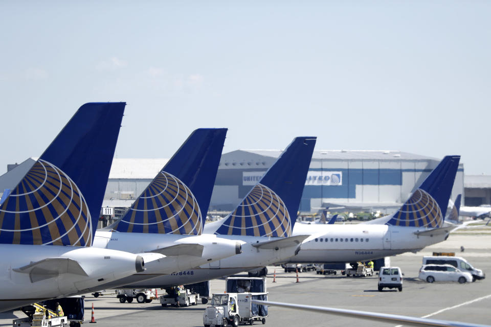 Lawyers representing a teen who was sexually assaulted while flying alone claim that United Airlines cabin crew did little to protect the girl and failed to report the incident. (Photo: Julio Cortez/AP)