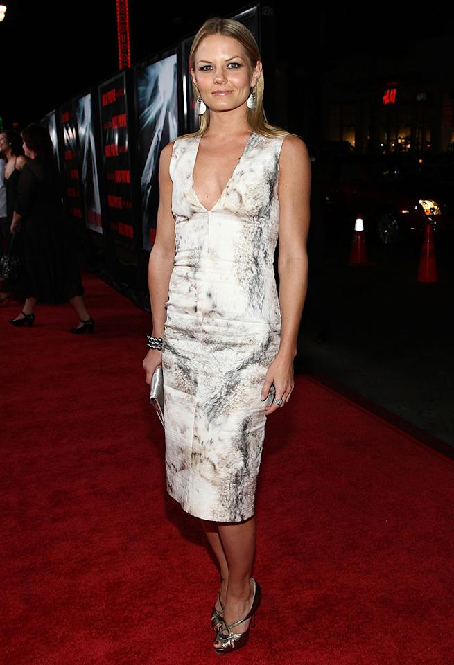 """<a href=""""http://movies.yahoo.com/movie/contributor/1800552744"""">Jennifer Morrison</a> at the Los Angeles premiere of <a href=""""http://movies.yahoo.com/movie/1810007086/info"""">Max Payne</a> - 10/13/2008"""
