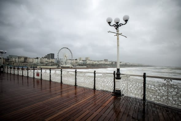 Brighton seafront 'vertical cable car' work starts