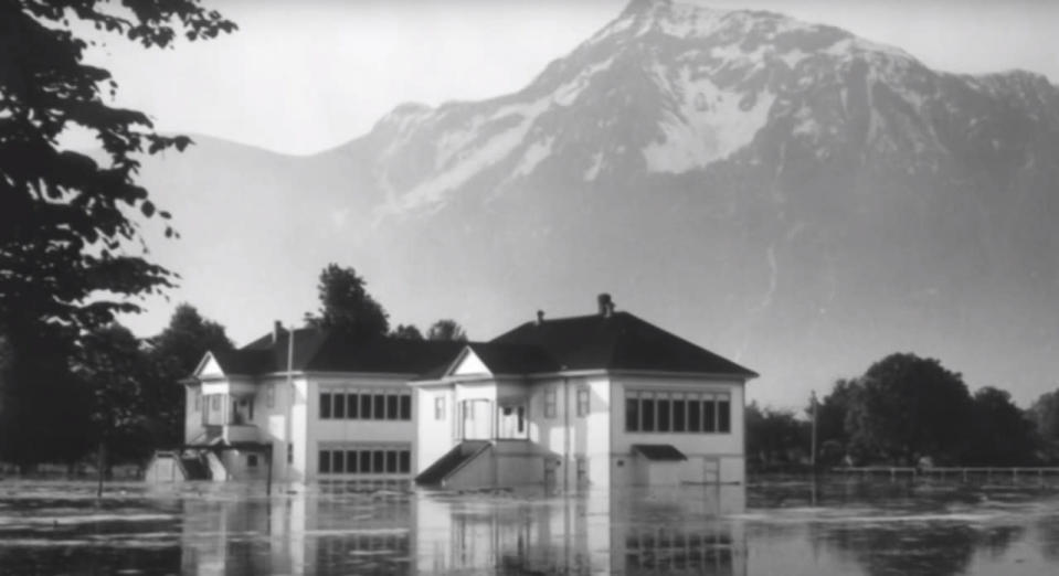Remembering the Columbia River Flood that completely destroyed Vanport, Oregon