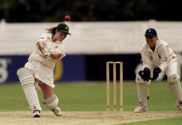 24 Aug 1998:  Karen Rilton of Austalia in action against England in the Ashes Series in Worcester, England. The match was a draw and the series remained 0-0. Karen Rolton scored 176 not out in her first innings \ Mandatory Credit: Craig Prentis /Allsport