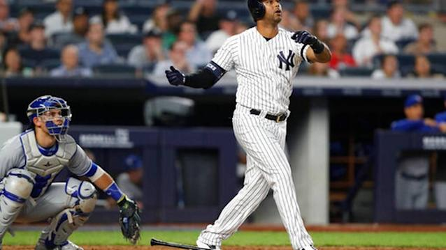 Yanks HR in 27th straight to match record, beat Jays 10-8