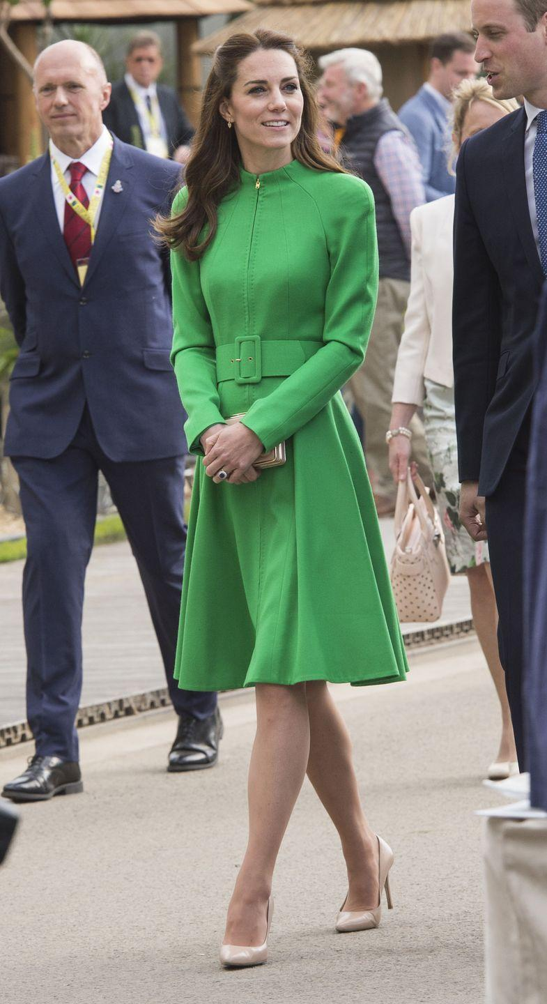 <p>The Duchess of Cambridge was seeing green at the Royal Chelsea Flower Show, where she wore a chic belted coat dress by Catherine Walker.</p>