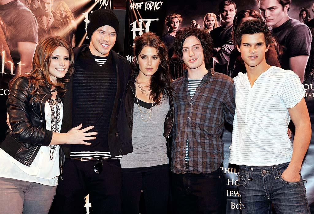 """Off-screen, the 16-year-old actor was already developing what he calls a """"cool and comfortable"""" style that he displayed while posing with """"Twilight"""" castmates Ashley Greene, Kellan Lutz, Nikki Reed, and Jackson Rathbone in late 2008. Kevin Winter/<a href=""""http://www.gettyimages.com/"""" target=""""new"""">GettyImages.com</a> - November 18, 2008"""