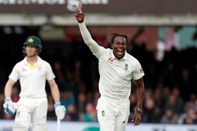 Jofra Archer dismissed Australia's Usman Khawaja as England chased victory on the final day of the second Ashes cricket Test at Lord's (AFP Photo/Adrian DENNIS)