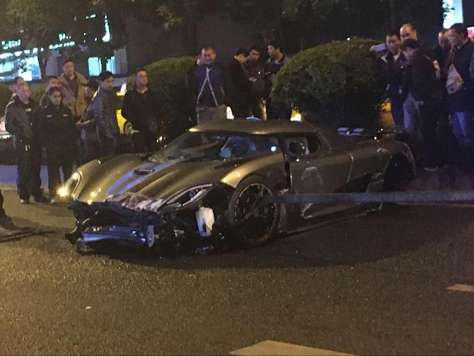 <p>The crash drew a late-night crowd due to the rarity of the vehicle. The driver reportedly stayed in the car for two hours before police took him into custody.</p>