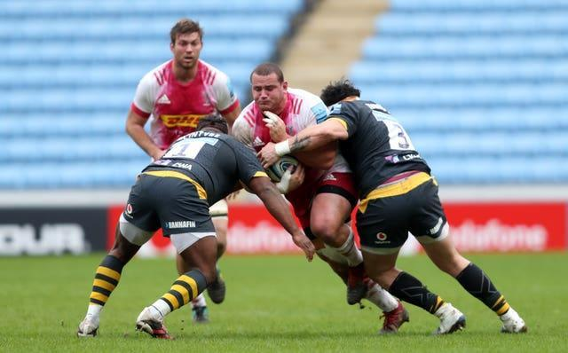 Wilco Louw (centre) in action for Harlequins