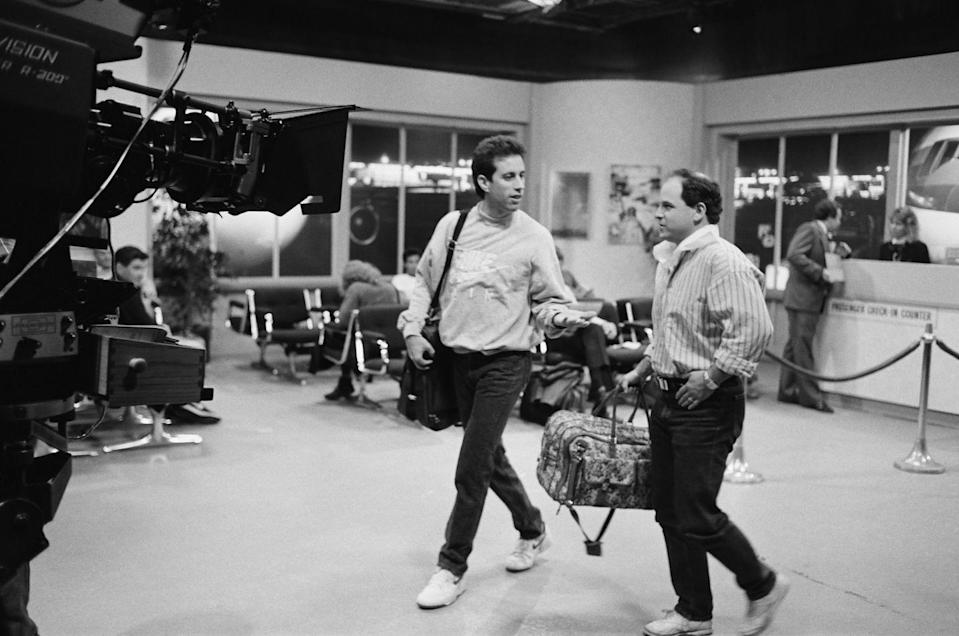 """<p>Even though the pilot didn't get a lot of viewership in 1989, critics enjoyed the sitcom and <a href=""""https://www.denofgeek.com/tv/seinfeld-from-flop-to-acclaimed-hit/"""" rel=""""nofollow noopener"""" target=""""_blank"""" data-ylk=""""slk:NBC's Rick Ludwin championed the show"""" class=""""link rapid-noclick-resp"""">NBC's Rick Ludwin championed the show</a> to get it on air, despite studio pressure not to.</p>"""