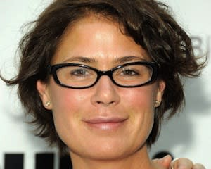 The Good Wife Scoop: Maura Tierney Joins Season 4 Cast as [Spoiler]