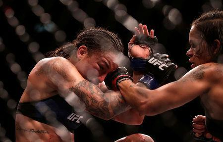 Ultimate Fighting Championship - UFC 224 - Amanda Nunes v Raquel Pennington - Jeunesse Arena, Rio de Janeiro, Brazil - May 12, 2018 Amanda Nunes of Brazil and Raquel Pennington of U.S in action. REUTERS/Ricardo Moraes