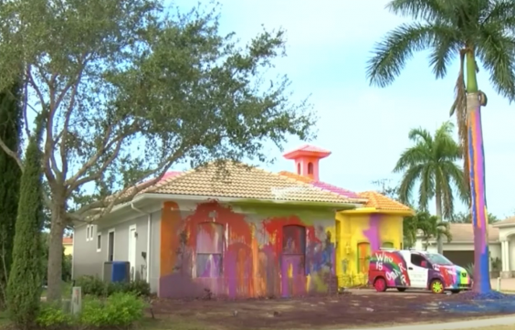 Neighbors have complained about the 'unsightly' paint job (NBC2)
