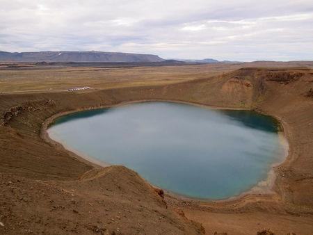 A view of the main crater of the Krafla volcano near Reykjahlid, Iceland, September 19, 2015. Picture taken September 19, 2015. REUTERS/Lefteris Karagiannopoulos