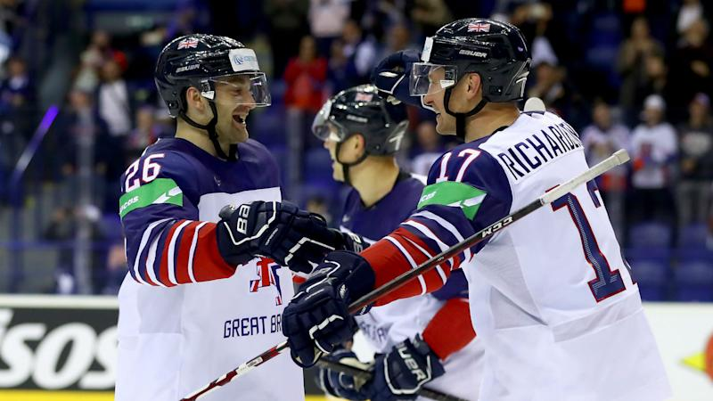 Italy remain at top table, Great Britain rally to relegate France