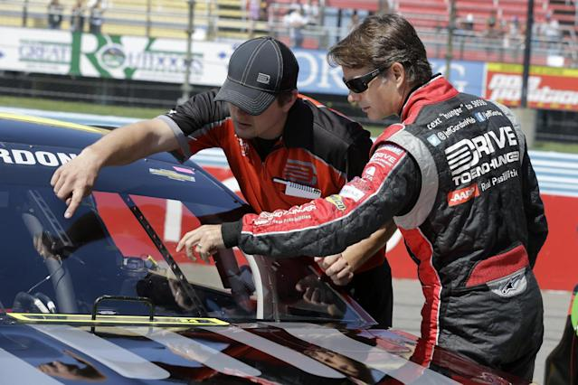3M leaves Greg Biffle and will sponsor Jeff Gordon for 11 races in 2015
