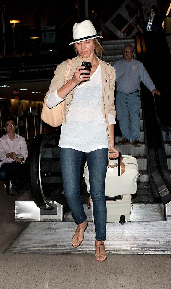 """After a hot and heavy getaway with boyfriend Alex Rodriguez in Miami, Cameron Diaz came in for a landing at Los Angeles International Airport on Thursday. Do you think the """"Bad Teacher"""" star was already looking for a text from her guy? SPW/<a href=""""http://www.splashnewsonline.com"""" target=""""new"""">Splash News</a> - August 4, 2011"""