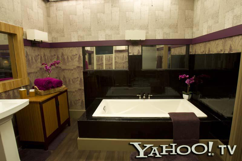 Rub-A-Dub-Dub, party in the freshly-glazed bathtub! The HoH may have more privacy than his or her fellow contestants, but they'll still be monitored by the microphone dangling above the whirlpool and the cameras behind the mirrored panels.