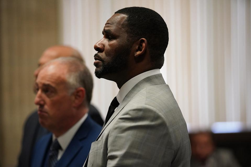 R. Kelly pleaded not guilty to a new indictment before Judge Lawrence Flood at Leighton Criminal Court Building in Chicago, Ill. on Thursday, June 6, 2019. (E. Jason Wambsgans/Chicago Tribune/Pool/TNS)