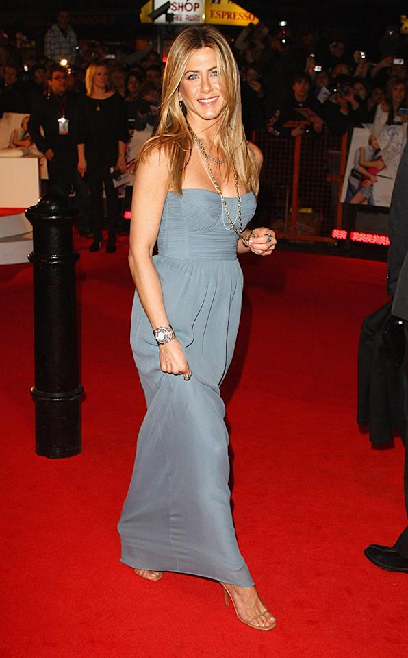 "Jennifer Aniston always lights up a red carpet with her beautiful smile and sun-kissed skin. Gareth Cattermole/<a href=""http://www.gettyimages.com/"" target=""new"">GettyImages.com</a> - March 2, 2009"