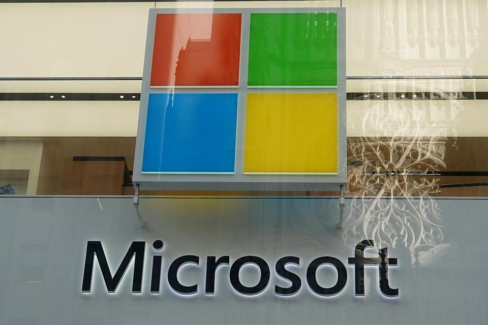 A Microsoft logo is pictured on a store in the Manhattan borough of New York City, New York, U.S., January  25, 2021. REUTERS/Carlo Allegri - RC26FL9YFO9Q
