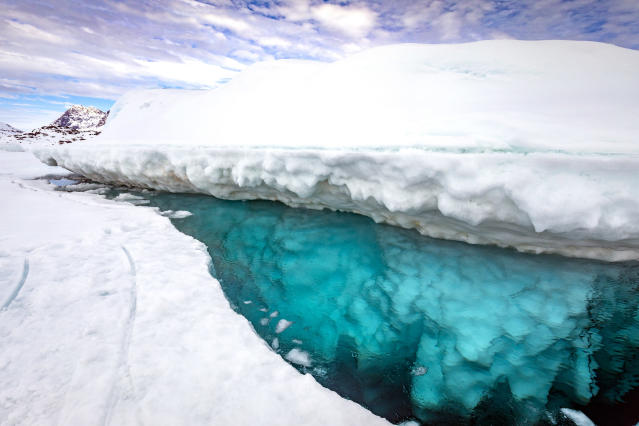 <p>A top view of the iceberg. (Photo: Franco Banfi/Caters News) </p>
