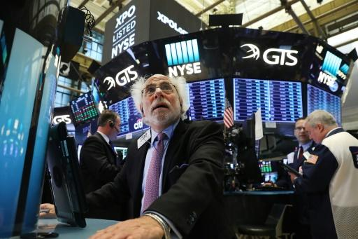 US stocks retreat from records as Europe eyes Catalan crisis