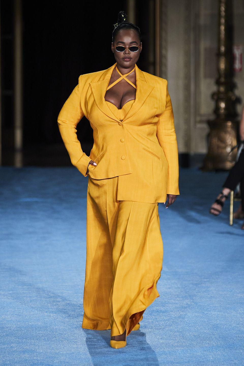 <p>Christian Siriano looked to Italian glamour for his spring/summer 2022 collection, which he presented at New York City's Gotham Hall. The designer particularly sought inspiration in his Italian grandmother, who he named as the season's muse, injecting bright colours and dramatic silhouettes into the collection, which he found her wearing in old family photographs.</p>