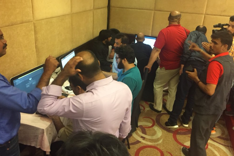 100 Journalists, 4 Computers, 1 Mobile Phone and Lousy Internet: Reporting Live-Ish from Lockdown