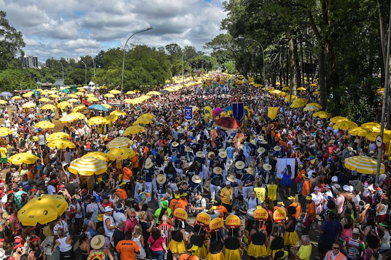 General view of the traditional Galo da Madrugada (Dawn Rooster) carnival parade along the streets of Sao Paulo, Brazil on February 25, 2020. (Photo by NELSON ALMEIDA / AFP) (Photo by NELSON ALMEIDA/AFP via Getty Images)