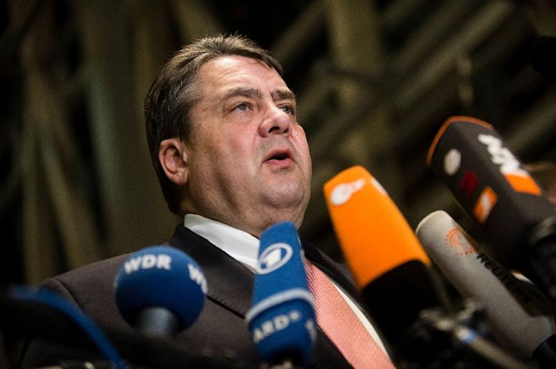 German Vice Chancellor, Economy and Energy Minister Sigmar Gabriel gives a statement on January 28, 2016 in Berlin (AFP Photo/Gregor Fischer)
