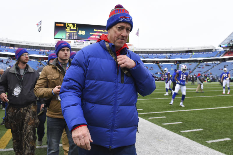 Former Buffalo Bills quarterback Jim Kelly is recovering from surgery to remove cancer. (AP)