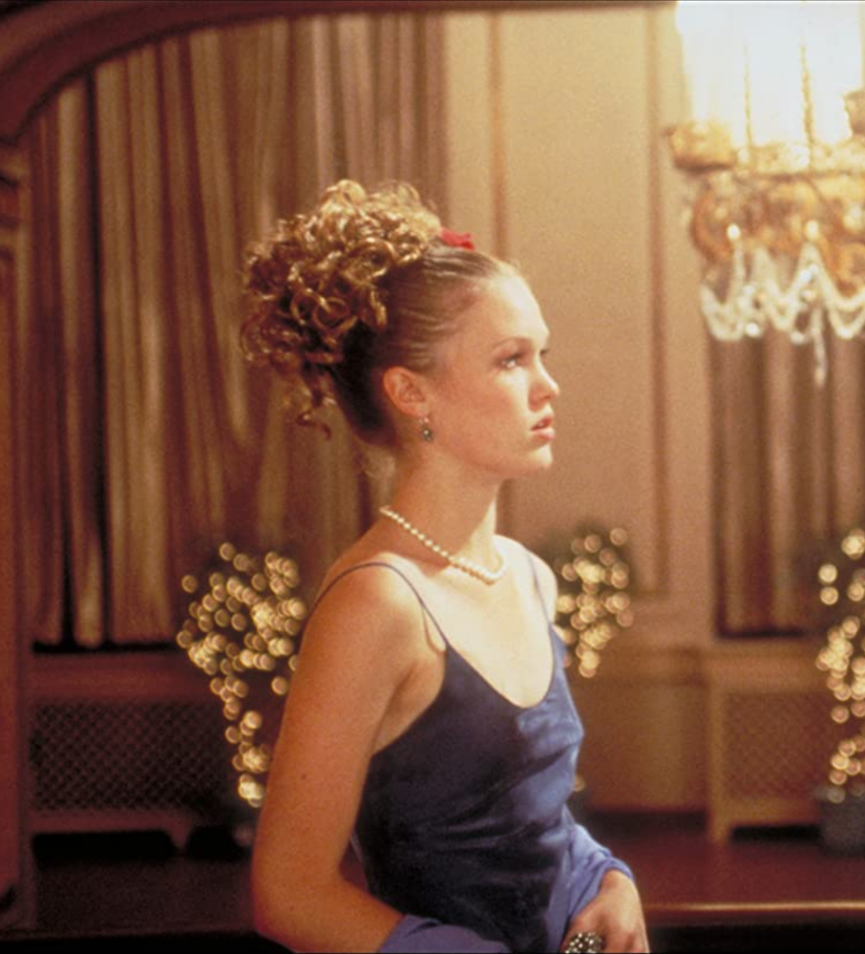 <p>Julia Stiles was the ultimate prom inspiration with her updo in <em>10 Things I Hate About You</em>. If only Heath Ledger could have been everyone's date, sigh. </p>
