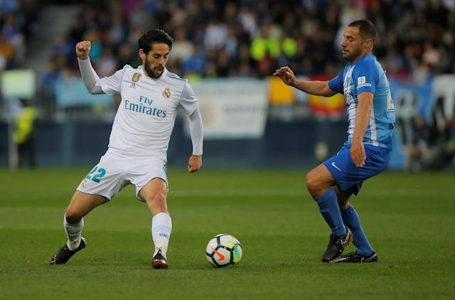 Soccer Football - La Liga Santander - Malaga CF vs Real Madrid - La Rosaleda, Malaga, Spain - April 15, 2018 Real Madrid's Isco in action REUTERS/Jon Nazca