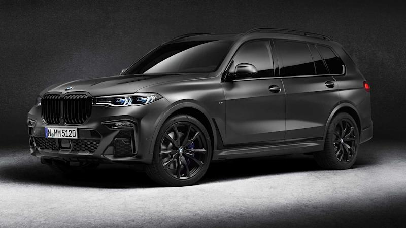 2021 BMW X7 Dark Shadow Edition Front Three Quarters