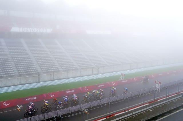 Poor visibility for the riders during the men's C1-3 road race