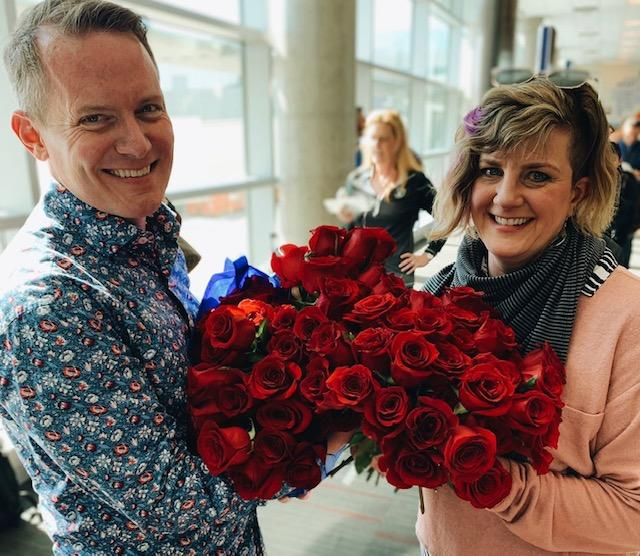 On their 25th anniversary, Kyle Friedel surprised his wife Staci by re-staging their airport proposal. (Photo: Twitter/Southwest Airlines)